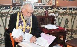 Un duhovnic intelept si un slujitor talentat - Protosinghelul Martinian Ruxanda